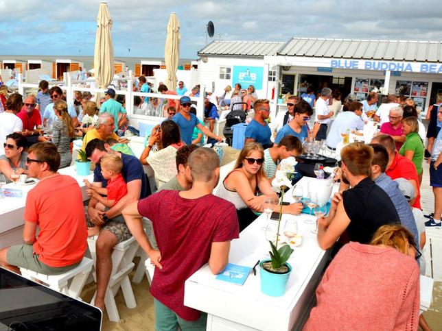 DJ Yargo - Dj set op het strand, beachbar